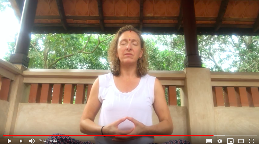 Meditation teacher sharing meditation tips